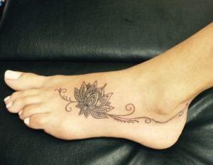 tatuajes en el pie para mujer